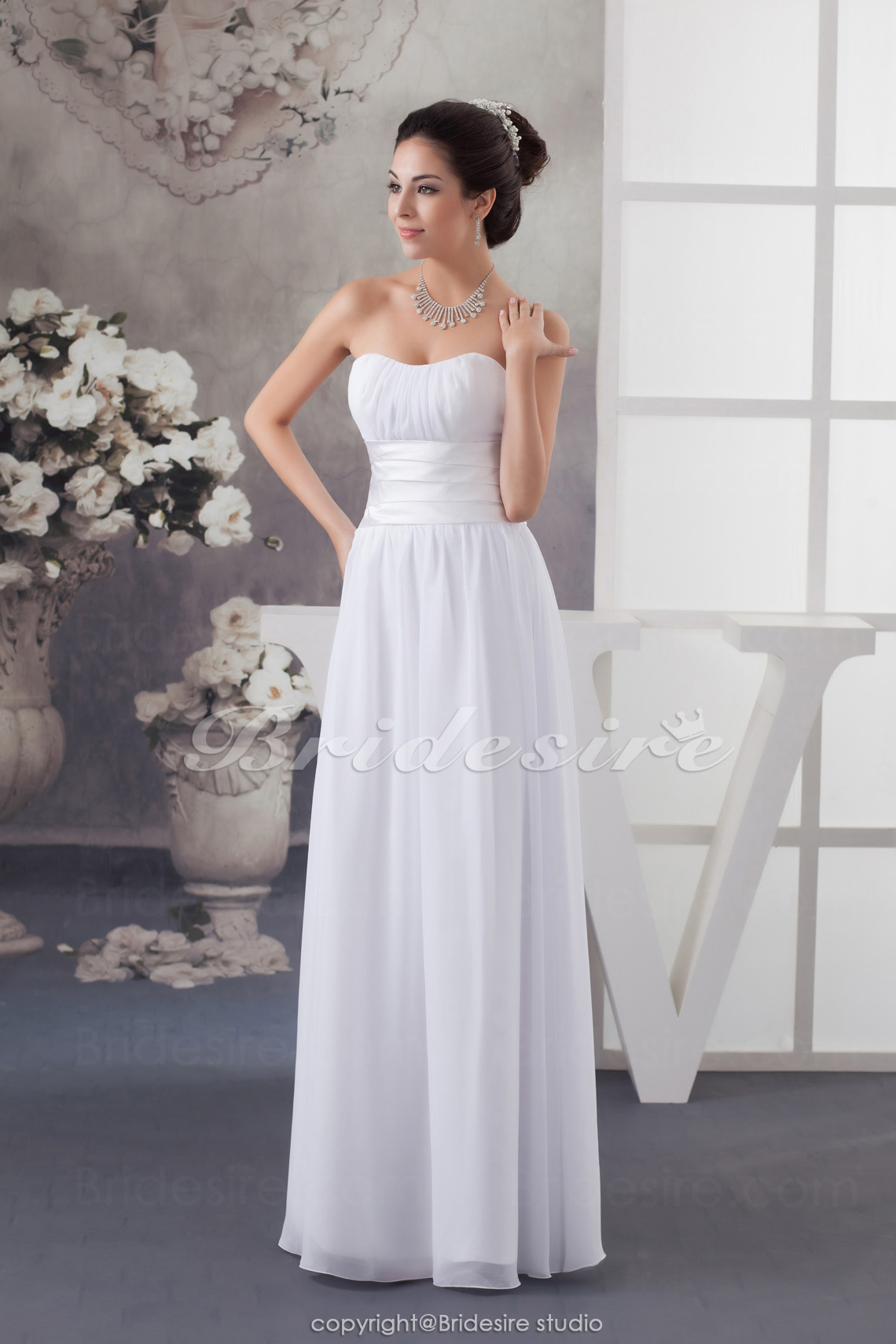 Sheath/Column Sweetheart Floor-length Sweep Train Sleeveless Chi