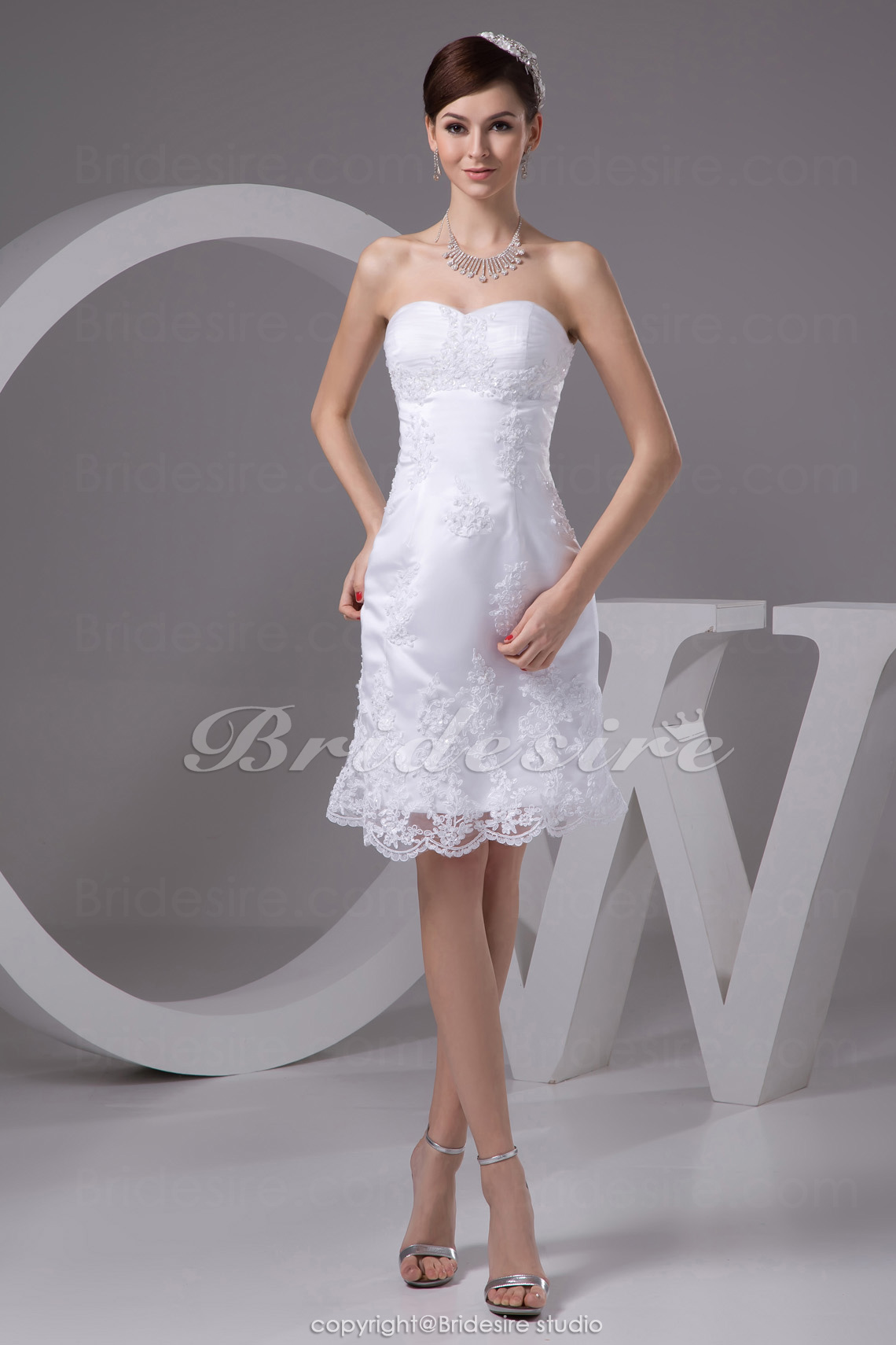 Sheath/Column Strapless Short/Mini Sleeveless Tulle Satin Weddin
